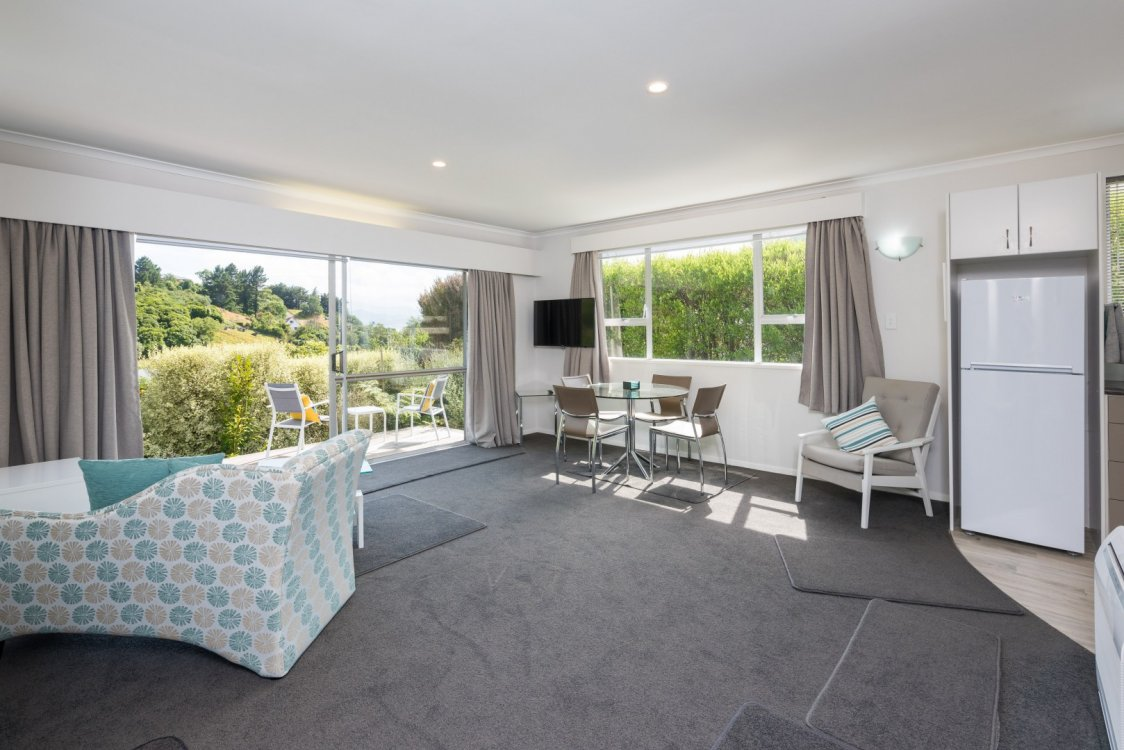 Flat 1/ 5a Angle Street, Picton #11