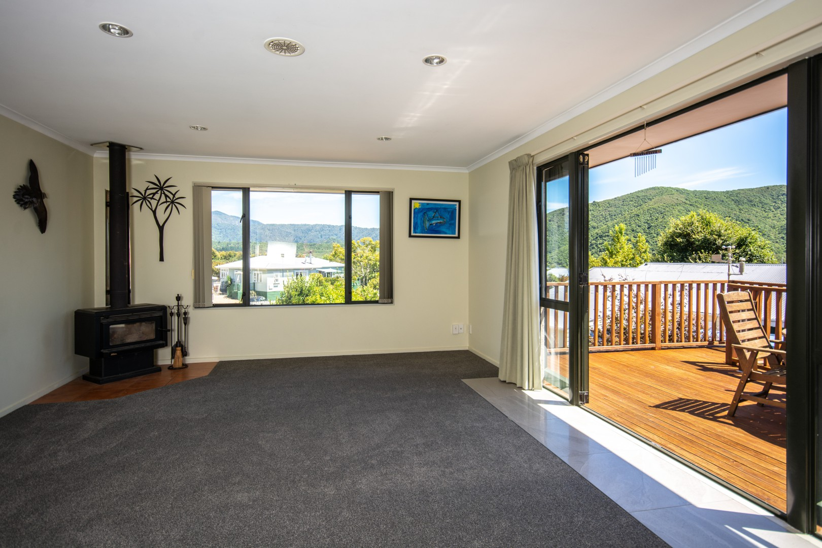 16 Waimarama Street, Waikawa #4 -- listing/9809/c.jpeg