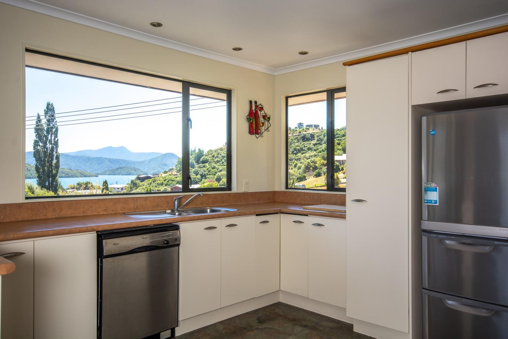 16 Waimarama Street, Waikawa #7 -- listing/9809/f.jpeg