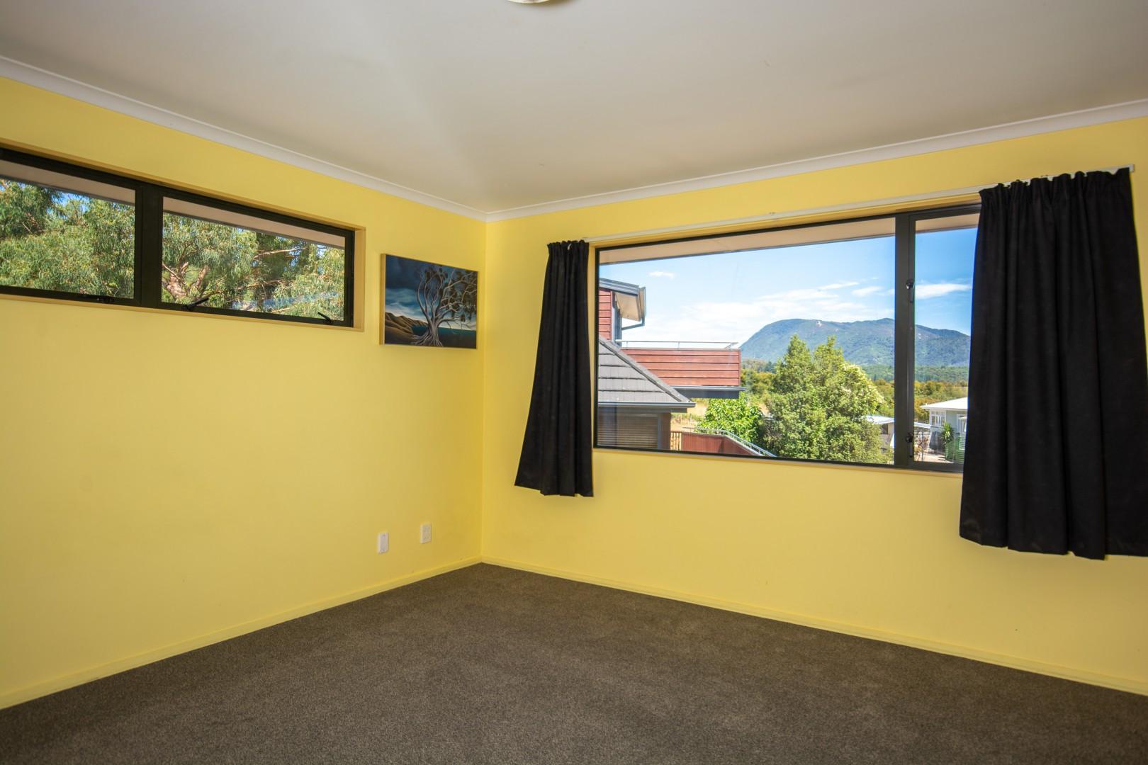 16 Waimarama Street, Waikawa #9 -- listing/9809/h.jpeg