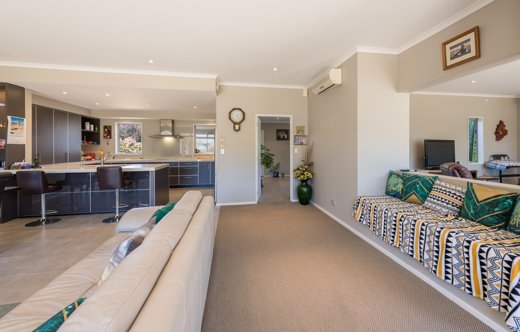 15 Aratia Way, Richmond #7 -- listing/9875/f.jpeg
