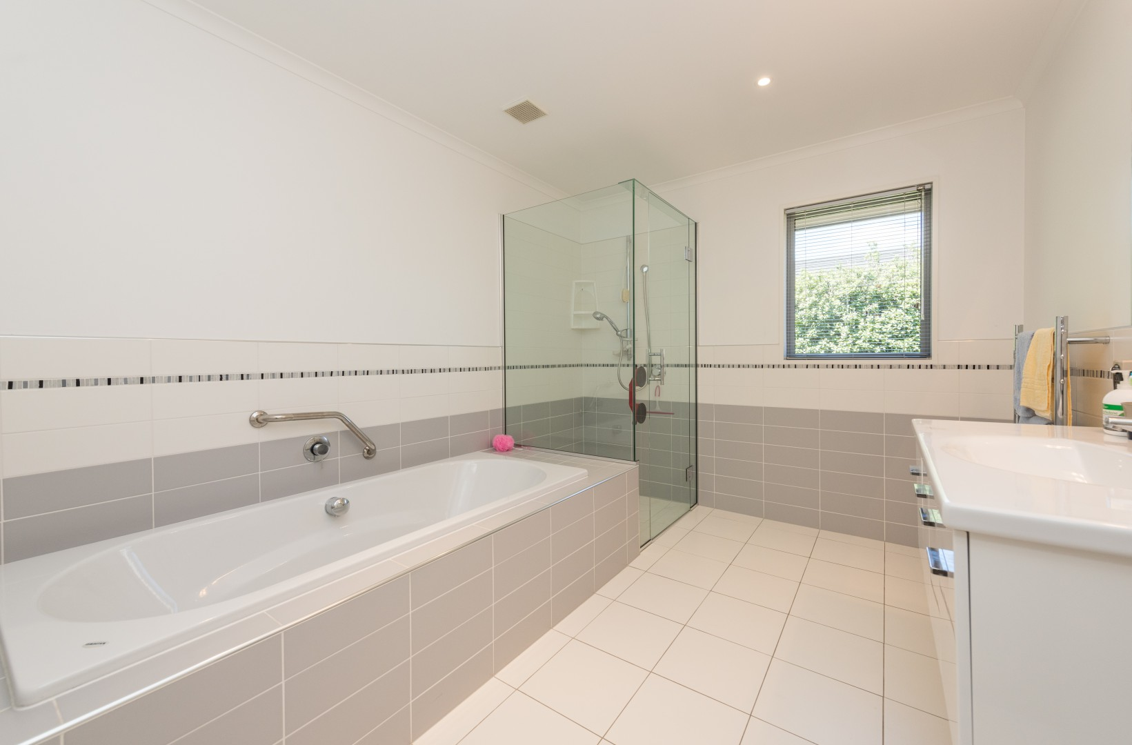 15 Aratia Way, Richmond #14 -- listing/9875/n.jpeg