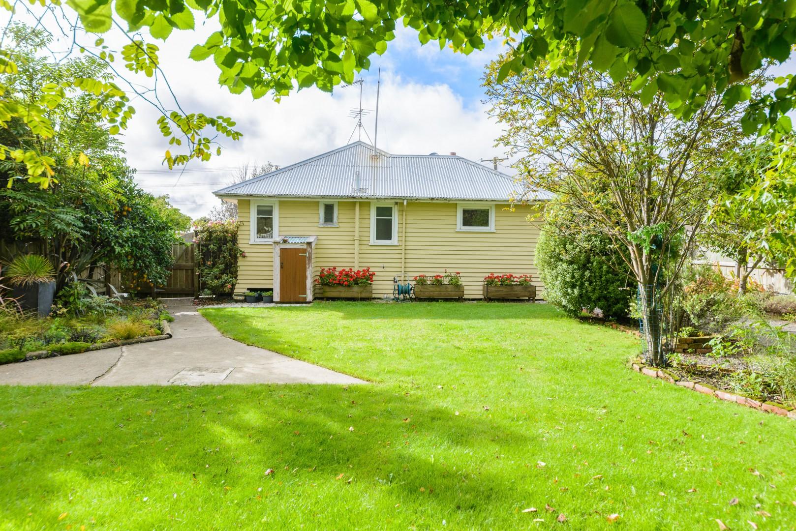 188 Maxwell Road, Redwoodtown #13 -- listing/9930/l.jpeg