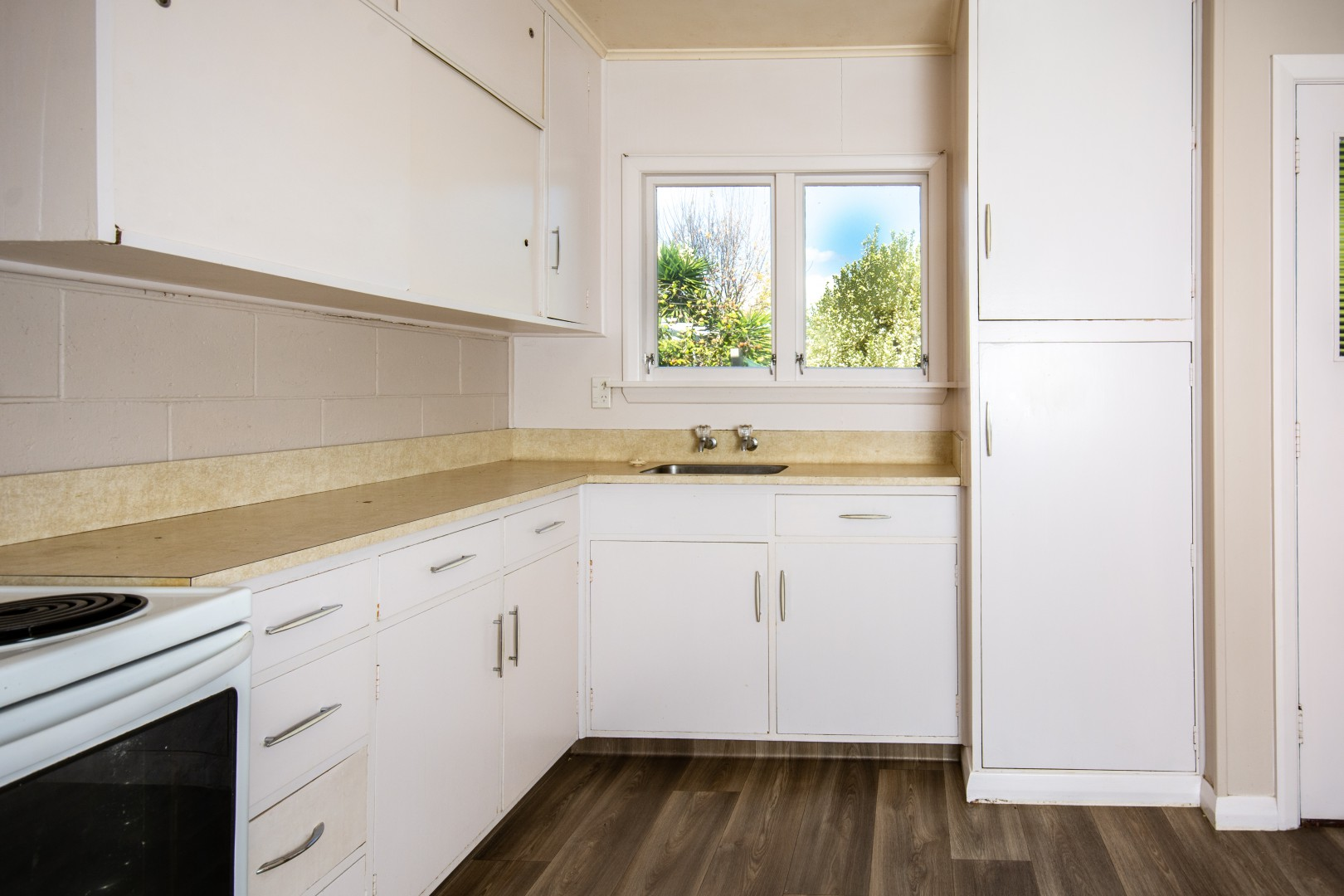 2/123 Scott Street, Redwoodtown #8 -- listing/9954/g.jpeg
