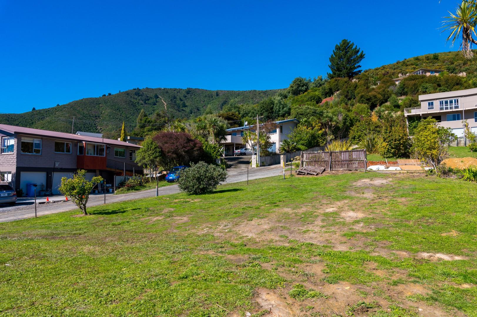 22 Moana View Road, Waikawa #3 -- listing/9998/b.jpeg