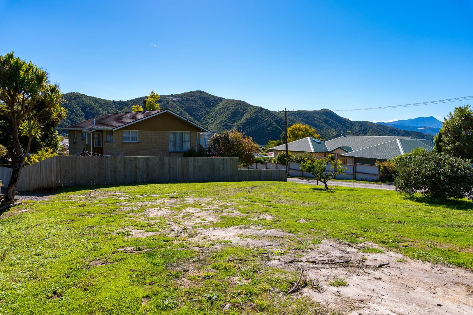 22 Moana View Road, Waikawa #5 -- listing/9998/d.jpeg
