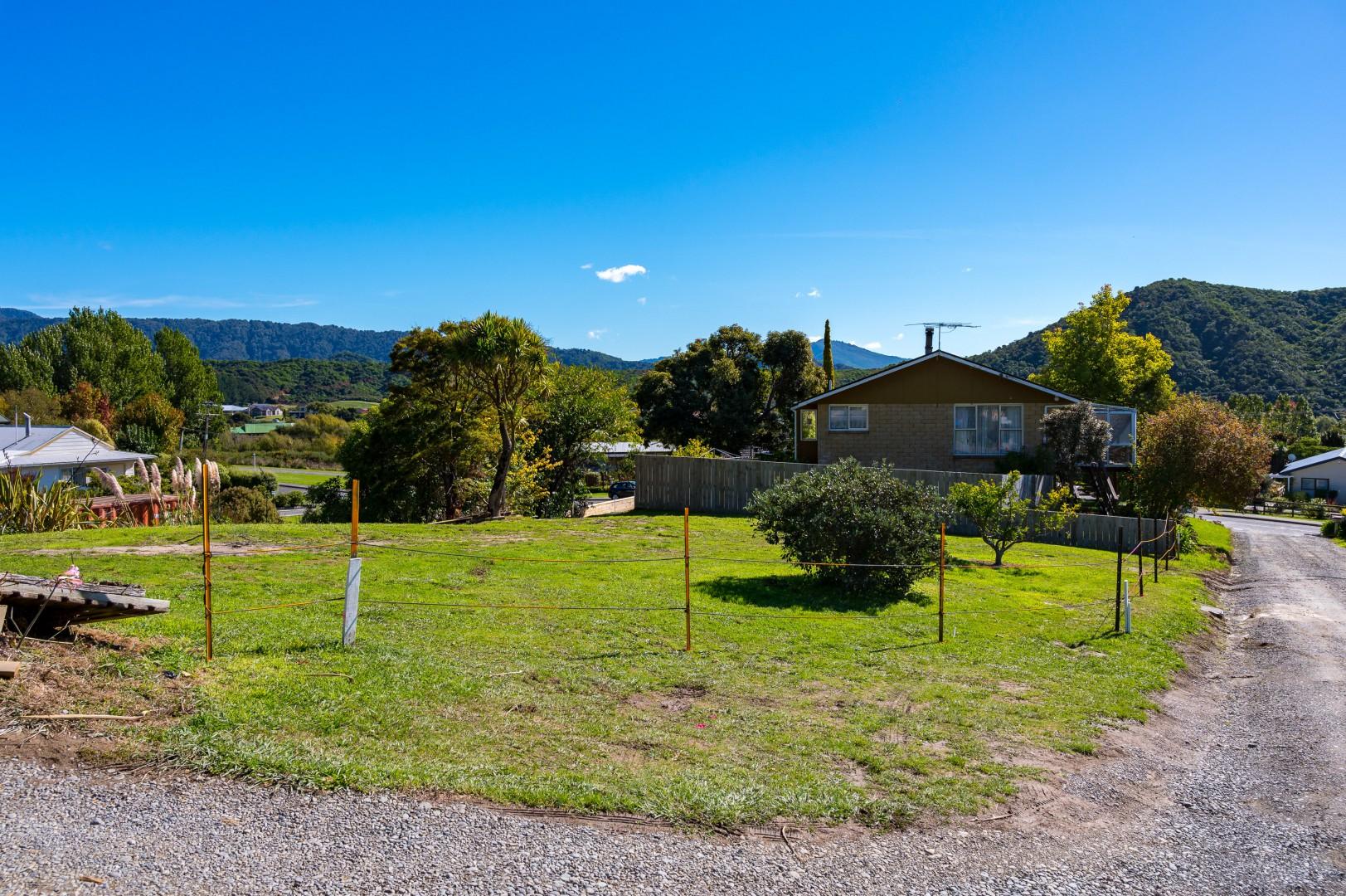 22 Moana View Road, Waikawa #8 -- listing/9998/g.jpeg