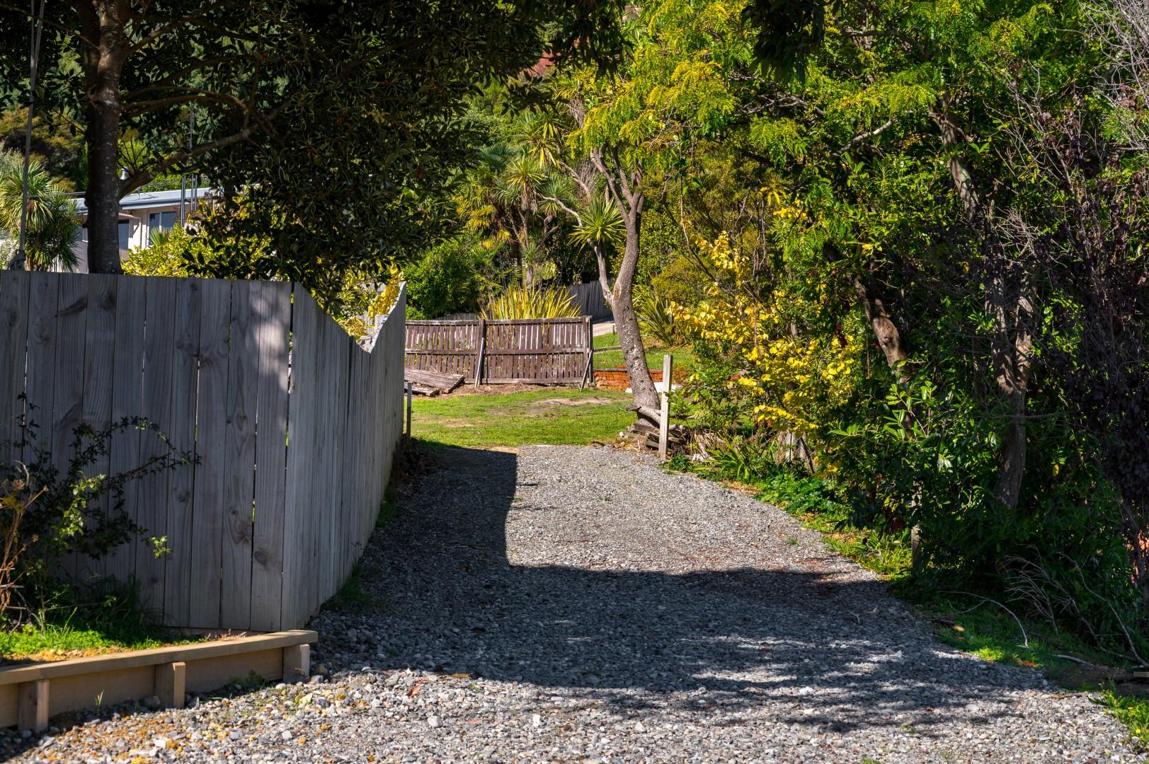 22 Moana View Road, Waikawa #1 -- listing/9998/m.jpeg
